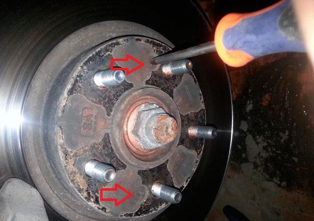 Замена тормозного диска тормозного механизма переднего колеса Hyundai ix35