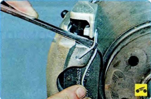 Замена задних тормозных колодок на шкода октавия а5 своими руками