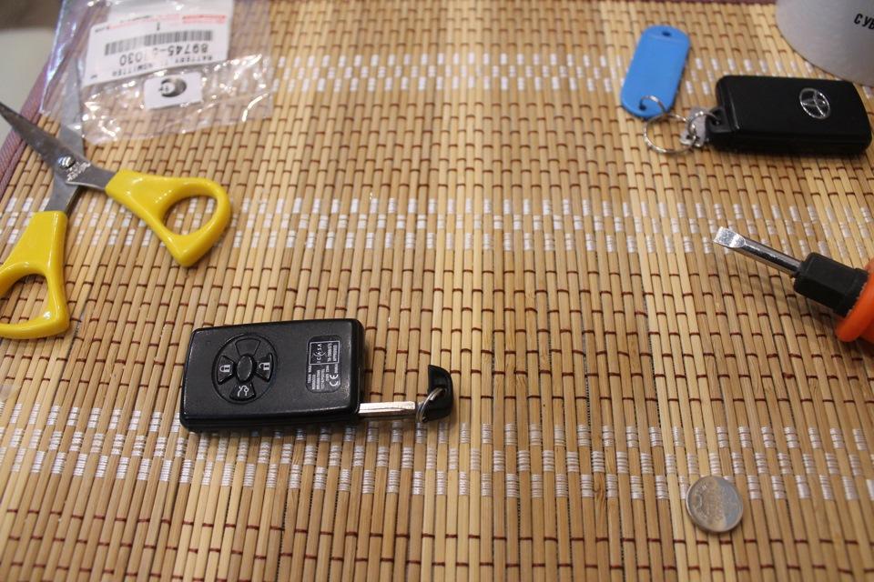 381Ключ тойота как поменять батарейку