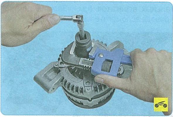 Замена подшипника генератора форд фокус 2 своими руками 24