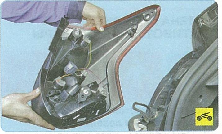 Снятие заднего фонаря форд фокус 3
