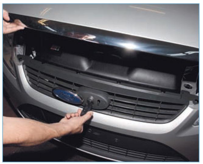 Как сделать открывание капота форд фокус 2