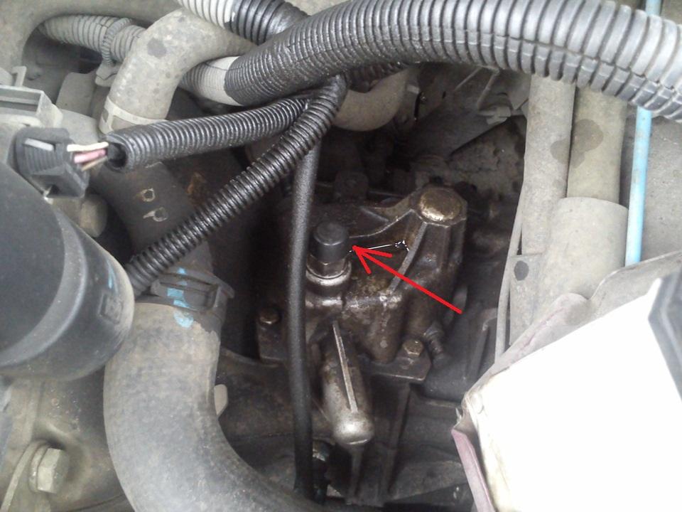 Проверка уровня и замена масла в механической коробке передач Daewoo Nexia N150