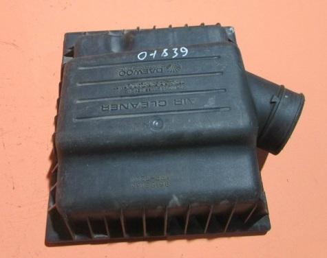 Снятый воздушный фильтр двигателя F16D3 Daewoo Nexia N150