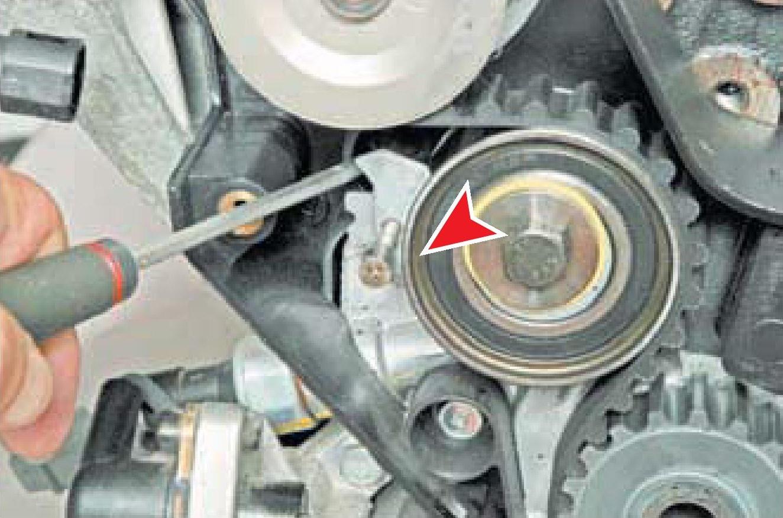 Фиксация в ослабленном состоянии натяжного ролика привода ГРМ двигателя A15SMS Daewoo Nexia N150