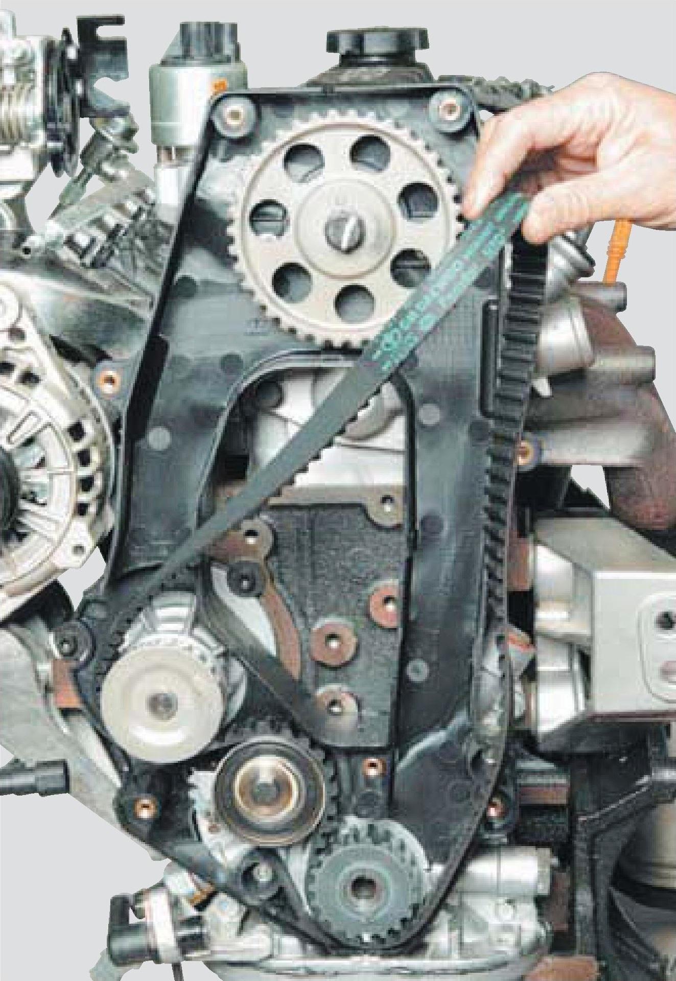 Снятие ремня привода ГРМ с двигателя A15SMS Daewoo Nexia N150