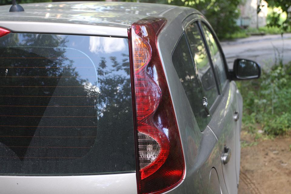 Замена заднего фонаря Nissan Note 2004 - 2012