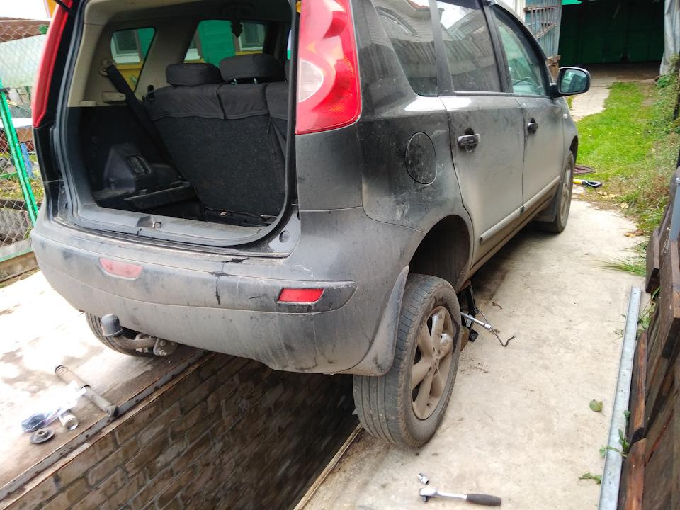 Замена масла и масляного фильтра двигателя Nissan Note 2004 - 2012