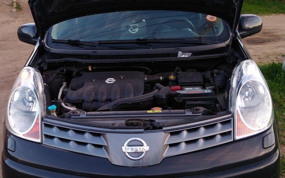 Замена выключателя стоп-сигнала Nissan Note 2004 - 2012