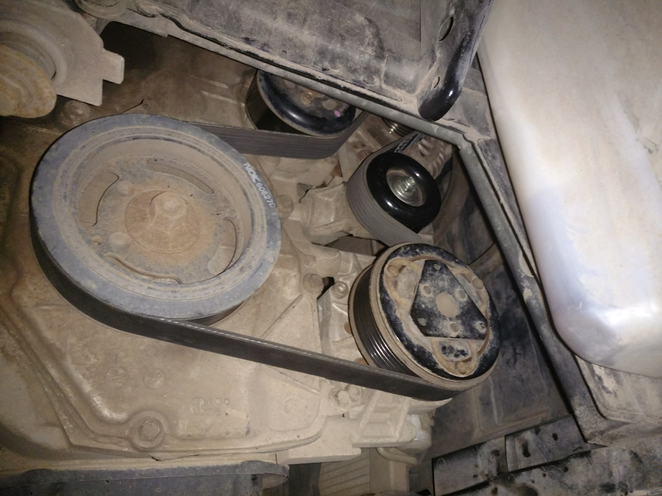 Замена приводного ремня двигателя HR16DE Nissan Note 2004 - 2012