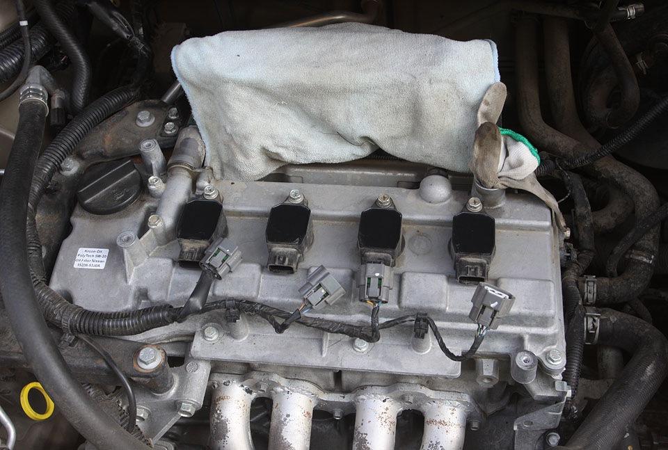 Снятие и установка катушек зажигания Nissan Note 2004 - 2012