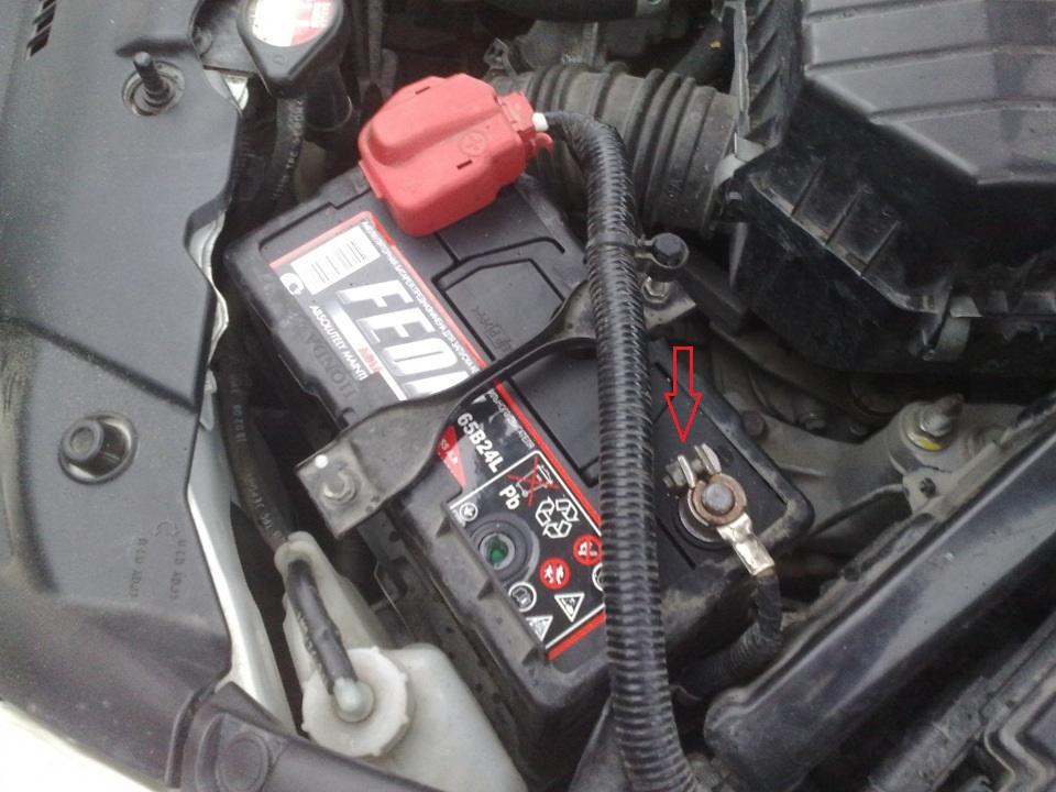 Замена лампы ближнего света Honda Civic 2005 - 2011