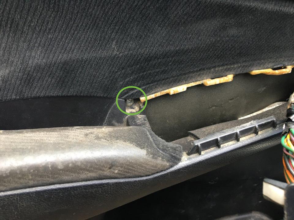 Снятие обивки передней двери Honda Civic 2005 - 2011