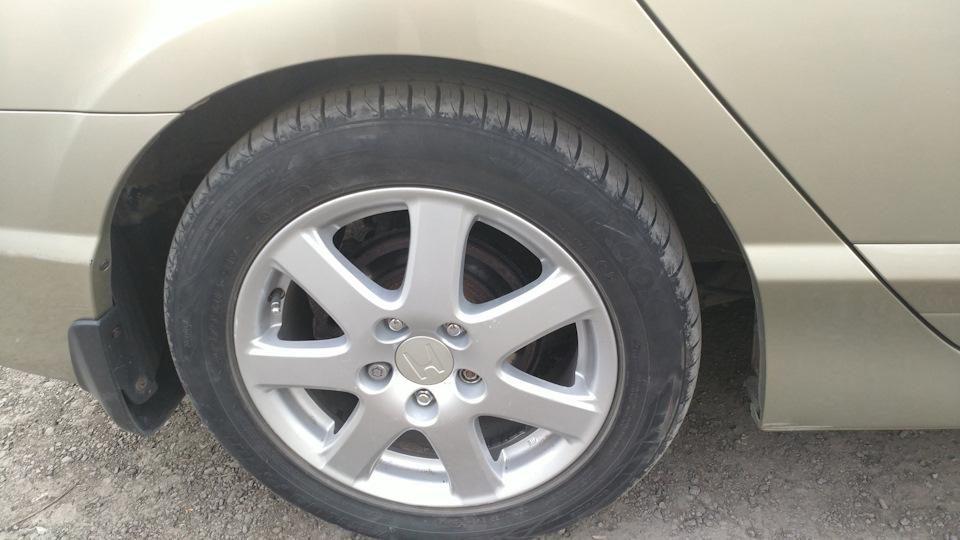 Замена заднего тормозного диска на Хонда Цивик 2005 - 2011