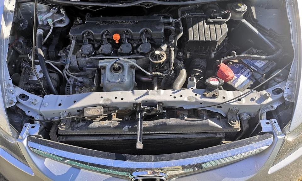 Снятие решетки радиатора на Хонда Цивик