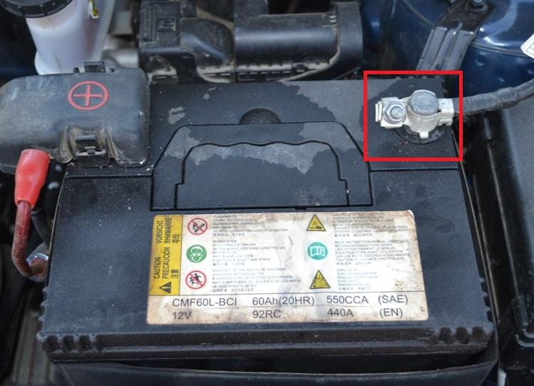 Клемма «минус» аккумуляторной батареи Kia Rio III